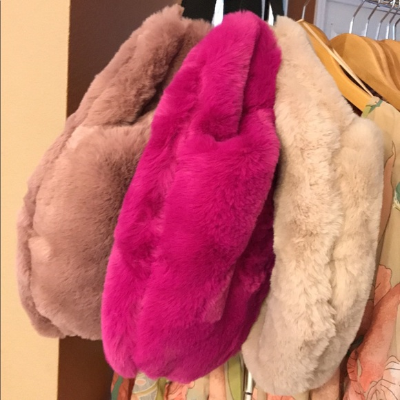 57f9816e168e Oversized Fur Fanny Bag Hand Warmer Muff Bag HOT😍